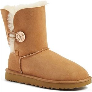 UGGS BAILEY BUTTON BROWN